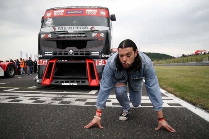 Ruda se staví do bloků proti Trucku MKR Technology :-)