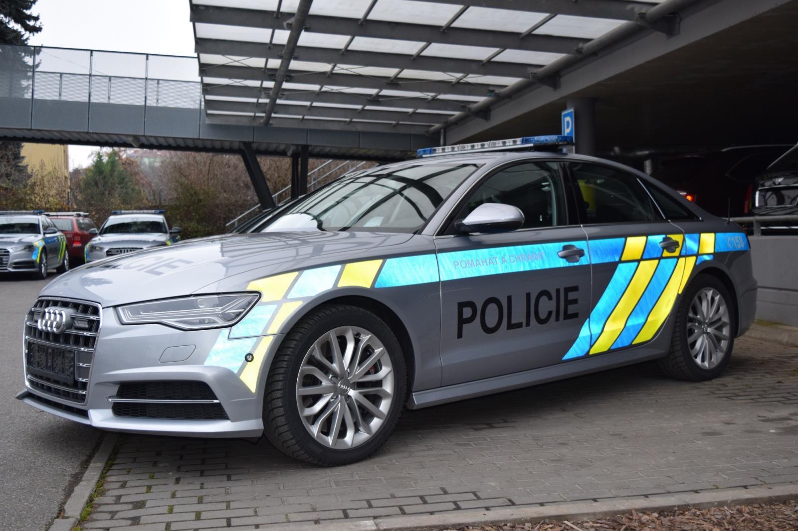 Policie Si Převzala 10 Vozidel Audi S6 Za 22 Milionů